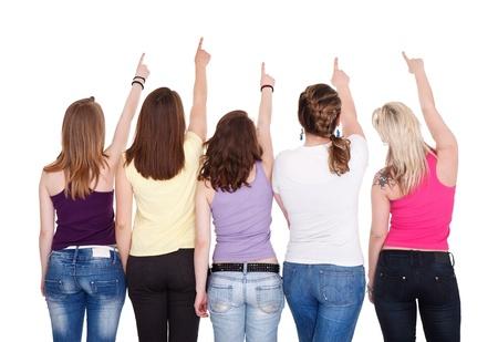 fesse: Les jeunes filles orient�es dans l'espace de copie et levant les yeux, vue de dos
