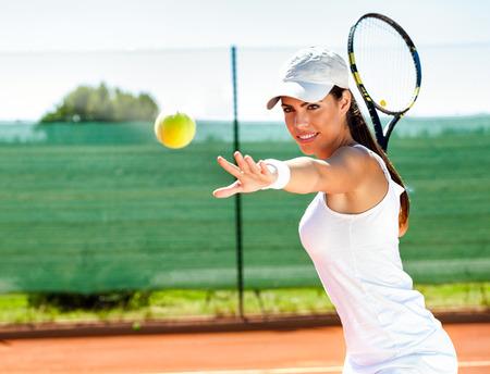 tennissen wachten tennisbal Stockfoto