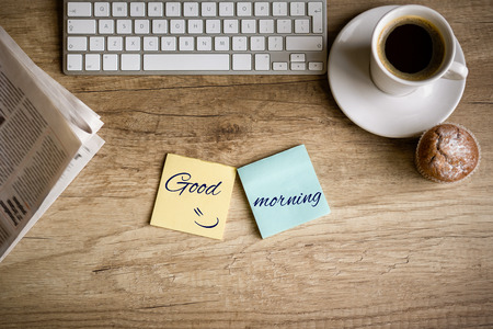 朝、仕事机の平面図コンセプト - グッド モーニング