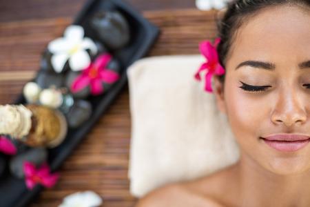 tratamientos corporales: Retrato de mujer de spa en el centro de rehabilitación
