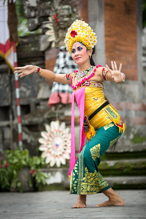 adult indonesia: BALI, INDONESIA, DECEMBER, 24,2014: Barong Dance show, the traditional Balinese performance on December 24, 2014 in Bali, Indonesia