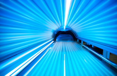 Empty tanning bed solarium Stockfoto