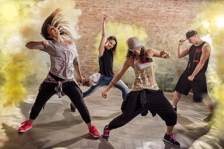 健身: 有氧健身舞鍛煉 版權商用圖片