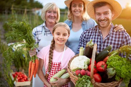 Portret van de boeren familie, drie generaties Stockfoto