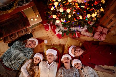 Noël passé avec vue de dessus en famille