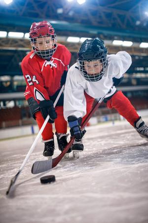 Ijshockey sport jonge jongens spelers Stockfoto