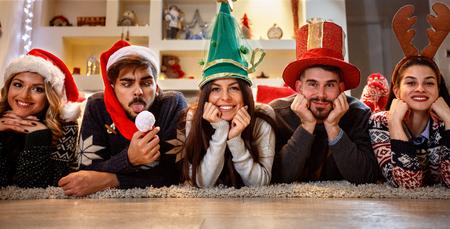 幸せな友達を楽しんで、クリスマスを楽しんで 写真素材