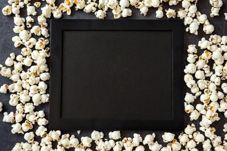 fresh popcorn black board -copy space  Banco de Imagens