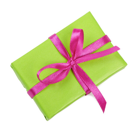 Geschenkdoos met strik. Geïsoleerd op wit Stockfoto