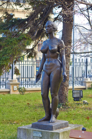 naked statue: Bucharest, Romania - Desember 19, 2015 - The statue of a naked woman near National Museum in Bucharest. Editorial