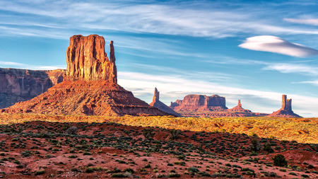monument valley view: Sunset view at Monument Valley, Arizona, USA