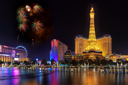 bellagio fountains: Fireworks and Bellagio fountains show on Independence Day on July 4 in Las Vegas Editorial