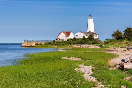リンド ポイント灯台、古いオールドセイブ ルック、コネチカット州、アメリカ合衆国 写真素材