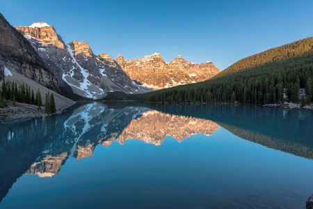 Beautiful turquoise waters of the Moraine lake in Banff National Park of Canada