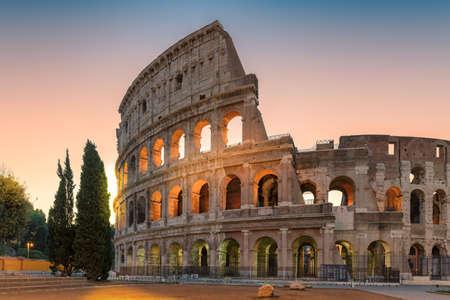 Colosseum in Rome in morning before sunrise, Rome, Italy. 免版税图像