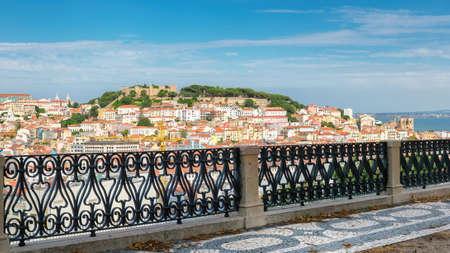 Lisbon City skyline and Sao Jorge Castle, Lisbon, Portugal. 新闻类图片