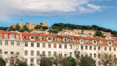 Lisbon skyline. Lisbon old town and Sao Jorge Castle, Lisbon, Portugal. 新闻类图片