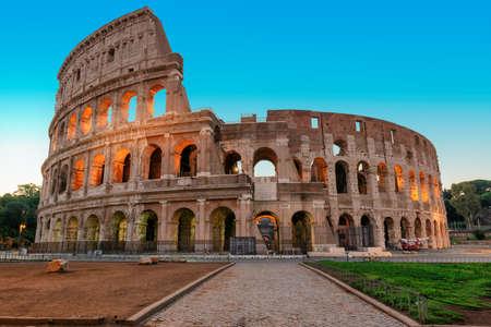 Rome street near Colosseum in calm sunny morning, Rome, Italy 免版税图像