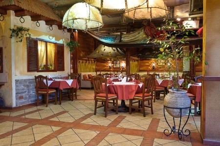 Italienisches Restaurant mit einer traditionellen Interieur Standard-Bild - 9583129