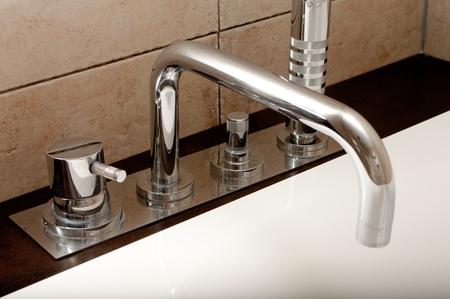 tap room: Modern bathroom faucet