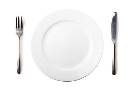 Leere Teller, Gabel und Messer - isoliert über weiß Standard-Bild - 15828900