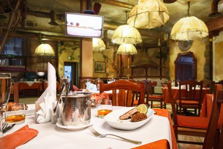 restaurante italiano: Interior del restaurante italiano. Foto de archivo