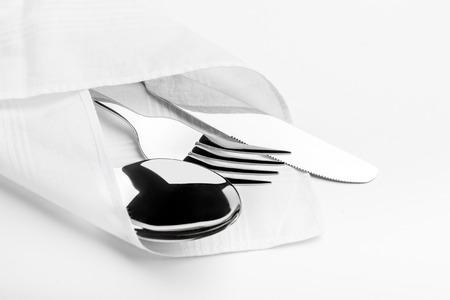 couteau fourchette cuill�re: Couteau, fourchette, cuill�re isol� sur fond blanc.