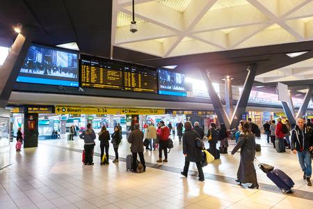 Napoli: NAPLES, ITALY - NOVEMBER 30, 2014: Napoli Centrale railway station.