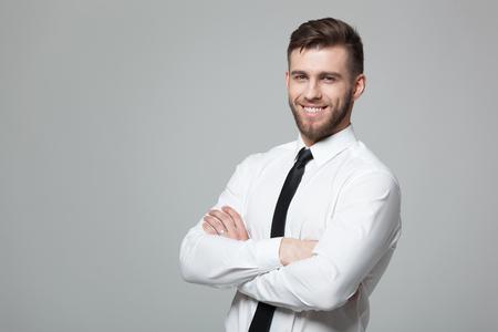 Sección Media De Hombre De Negocios Joven En Forma De Pie