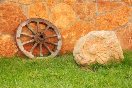 indent: Wooden wheel
