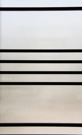 Anti-bandit glass window grilles