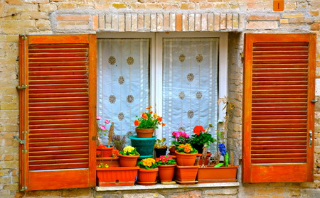 window sill: A vibrant window sill in Assisi, Italy