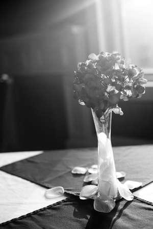monochrome flower vase Imagens