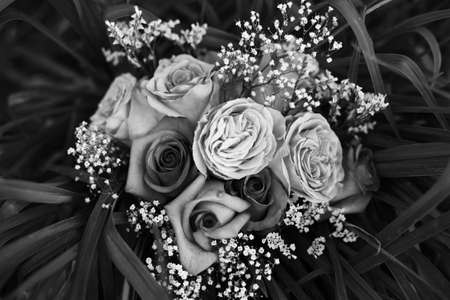 A Bouquet of healthy Flowers in monochrome Imagens