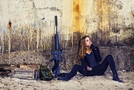 army girl: mercenary girl with machine gun and ammo