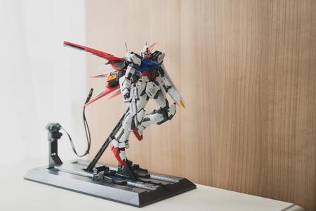 BANGKOK, THAILAND - JULY 27, 2016: Plastic model of GAT-X105 Aile Strike Gundam Ver.RM  Master grade scale 1:100 新聞圖片