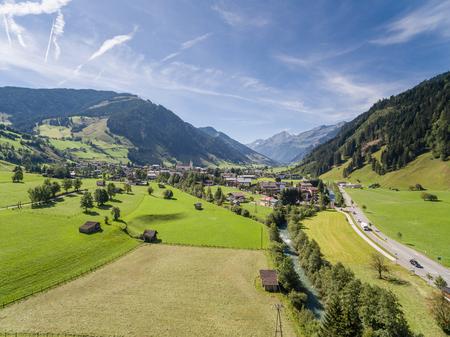 オーストリア、ザルツブルク、アルプスの山の村で Rauris 写真素材