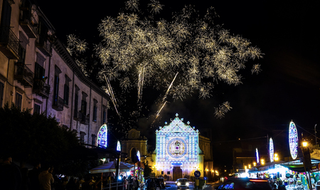 cava: patronal feast of Mary Most Holy Queen Crowned dellOlmo in Cava de Tirreni with fireworks and sparks 3