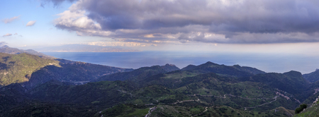 thicken: between sea and mountains the Strait of Messina 10