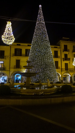 local supply: Scacciaventi village and the big Christmas tree in Cava de Tirreni