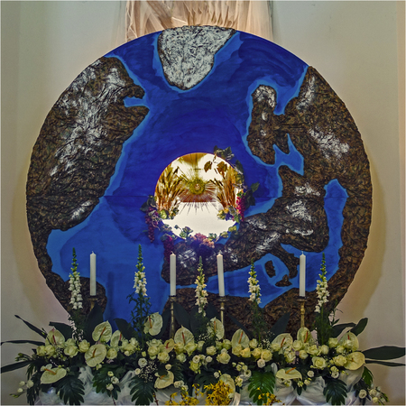 tabernacle: christ Eucharist the center of the world