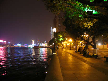 tremp�e: Pearl River, Guangzhou, Chine Banque d'images