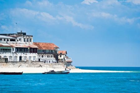 zanzibar: Weergave van Stone Town, Zanzibar van de zee Stockfoto