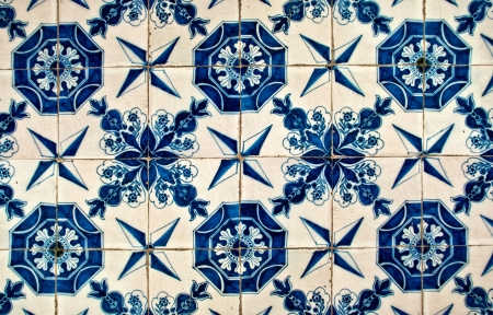 ancient blue and white tiles in the Topkapi palace, Istanbul Stock Photo - 18255967