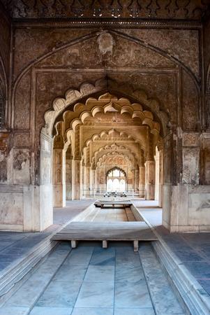 Interieur bogen van het Rode Fort in Delhi