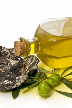 hojas: close-up of olive oil