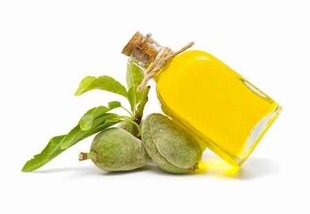massage huile: l'huile d'amande Banque d'images