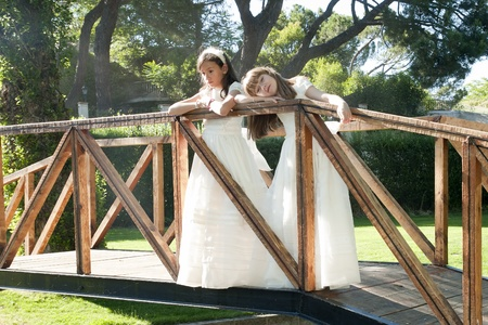 confirmacion: las niñas vestido blanco el día de su primera comunión