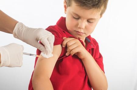 oltás: orvos védőoltást a gyermek