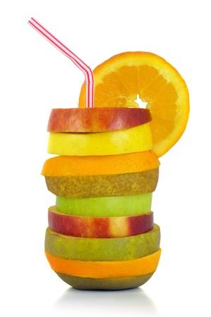 cocktail de fruits: Cocktail de fruits isol� en blanc